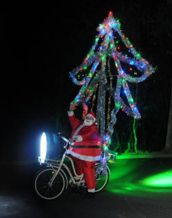 Xmas Bike red green tree